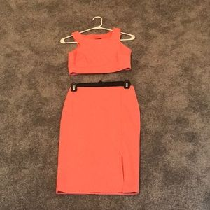 Coral Lulus two piece skirt and top xs